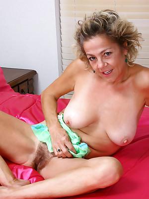 shags chubby mum