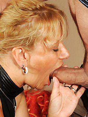 Amateur couple deep throat - 1 part 10
