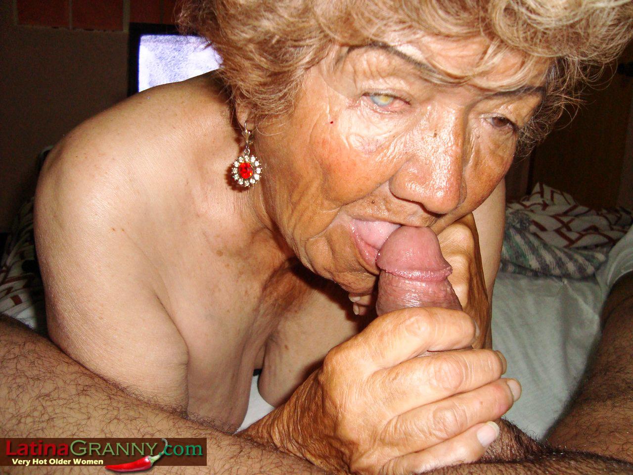 Толстая бабулька ебется 27 фотография