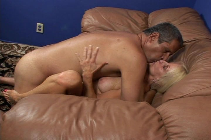 mandingo vs girls defloration