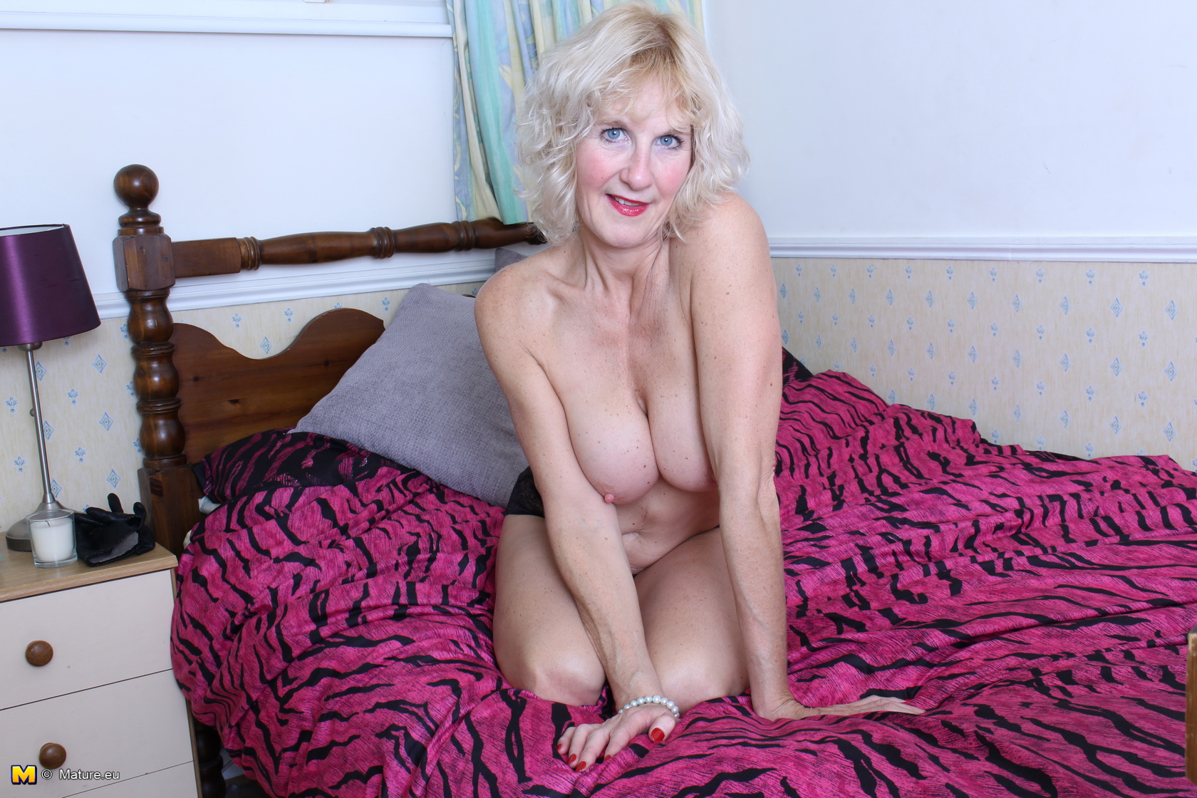 Cute granny huge clit had fun at pc amateur older - 4 7