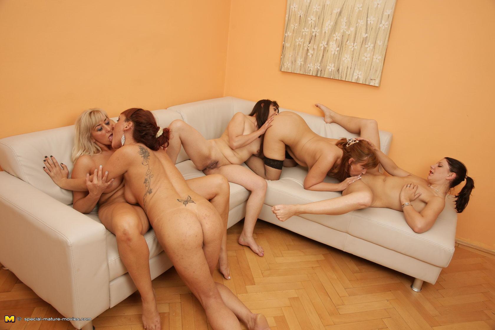 orgiya-starih-lezbiyanok