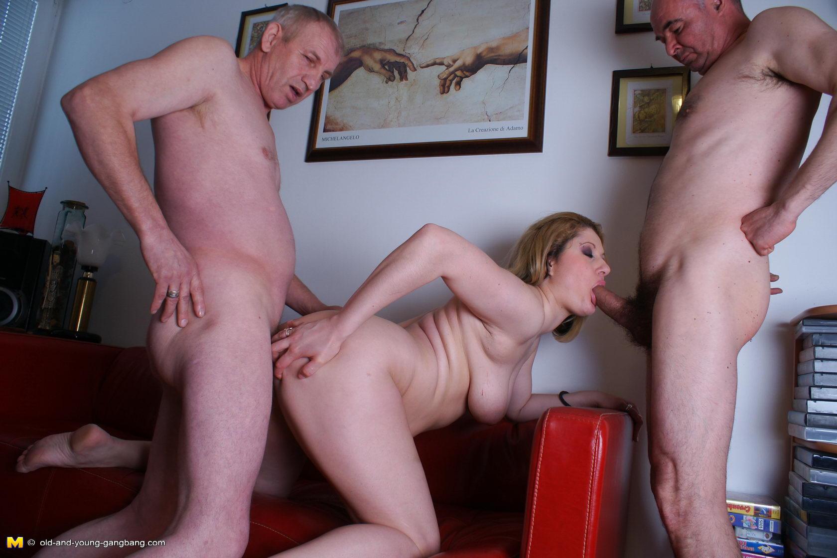 Посмотреть порно секс дед развел вунучку на секс онлайн 20 фотография