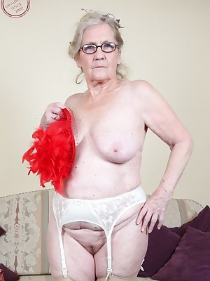 Mature Pussy Inclusive 7