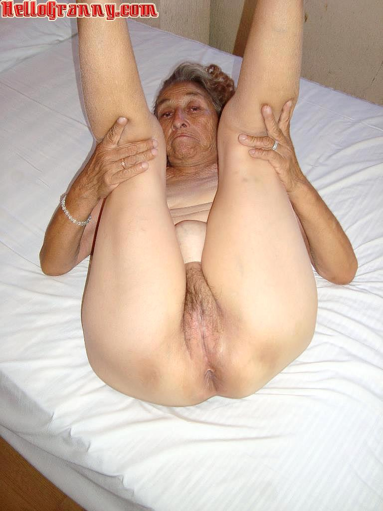 Mature Big Granny Booty#4