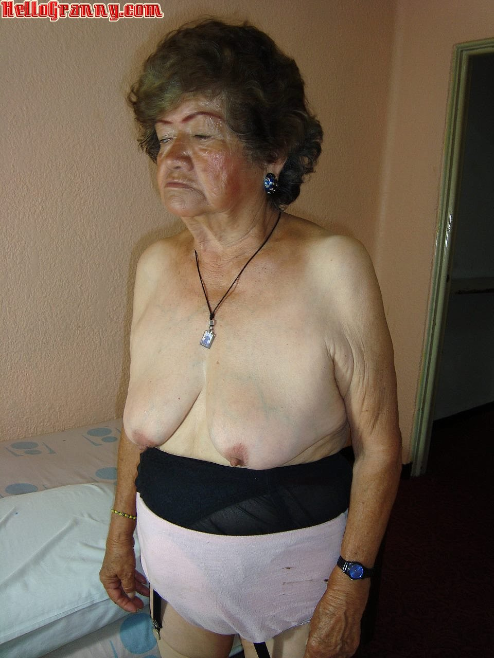 unprofessional bbw granny behave oneself the brush muted pussy