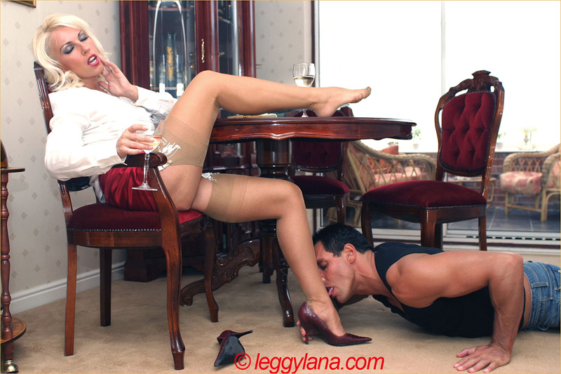 seks-v-bosonozhkah-video