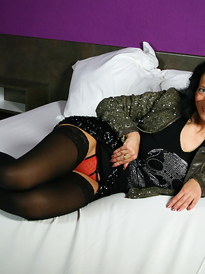 Mature Pussy Accept 91